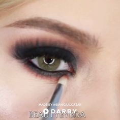 The Perfect Smokey Eye Look #darbysmart #tutorial #makeuptutorial #makeuptips #makeuptricks #makeuphacks #beautytutorial