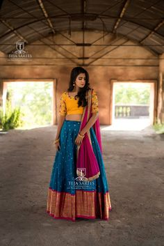 Looking for Bridal Lehenga for your wedding ? Dulhaniyaa curated the list of Best Bridal Wear Store with variety of Bridal Lehenga with their prices Lehenga Saree Design, Half Saree Lehenga, Indian Lehenga, Lehenga Designs, Indian Beauty Saree, Saree Blouse Designs, Lehenga Dupatta, Bollywood Lehenga, Kanjivaram Sarees