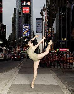 Jessica Keller. NYC. Ballet dance in Times Square. Cedar Lake Contemporary Ballet