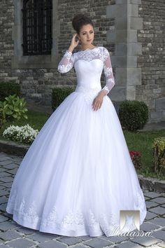 23a3967229df SUMMER - krásne luxusné dlhé svadobné šaty so širokou sukňou zdobenou čipkou