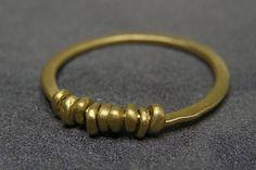 תכשיטים מיכל בן ישי - עיצוב תכשיטים מתכת/ חומרים זהב צהוב