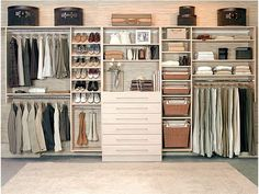 33 Ideas Closet Pequeno Embutido For 2019 Bedroom Closet Doors, Wardrobe Closet, Master Closet, Closet Space, Small Closets, Dream Closets, Closet Shelves, Closet Storage, Closets Pequenos
