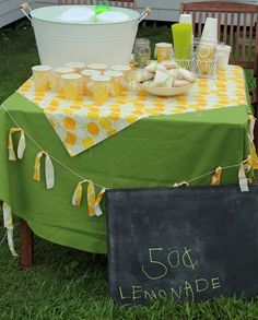 cutest lemonade stand ever! lemonade stand Olivia + Isabella are dying to have a lemonade stand....=)