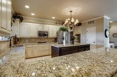 Kitchen Staged by Vickie Harvey Home Staging Services of North Tx