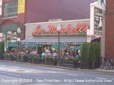 Lou Mitchell's restaurant in Chicago from across the street on a Sunday morning in 2004