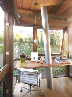 I think I might actually get some work done if this was my desk, well, maybe not but I sure would enjoy being at my desk?  Contemporary-Tree-House-california-08