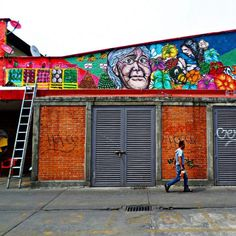 #espiritu_callejero #rinconesdemexico #urbanismodf #igersdf #ig_méxico #igers_mx #paisajedefeño #postcardsfrommexicocity #photogramex #adictosalaciudad #arquitectura #architecturelovers #arteenmexico #instacolor #instaartista #arquitecturamx #streetphotography #streetphotographer #streetartchilango #capturamx #colorgram #vscolors #vsco_df #mexicoandando #mercadomartinezdelatorre #mexigers #mexigers_deldia #muralcolectivo #coloniaguerrero