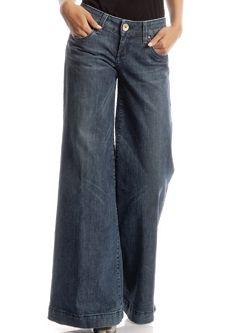 Celebs Love Wide Leg Jeans! : Celebrities in Designer Jeans from Denim Blog (May 29, 2009)