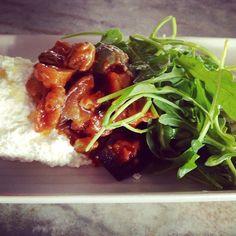 Today's Sicilian side salad. Erin's eggplant caponata, fresh ricotta & farm arugula. #fresh #whatsforlunch #crunantucket #nantucket #cruoysterbar #tasteslikesummer http://instagram.com/crunantucket