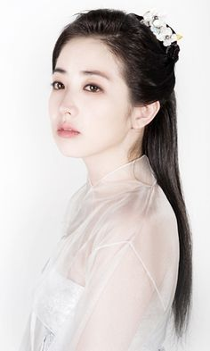 Puzzle game of actress that you love Lee Young Ae. She is a South Korean actress.<p>Name Lee Young-Ae<br>Hangul: 이영애<br>Birthdate: January 31, 1971<br>Birthplace: Oksu-dong, Seongbuk-gu, Seoul, South Korea<br>University: Hanyang University, Graduate School of Chung-Ang University<br>Major Movie Theatre<br>Height: 165cm<br>Blood Type: AB<p>She is a South Korean actress. She is best known to worldwide audiences for her lead role in the hugely successful Korean historical drama Dae Jang Geum…