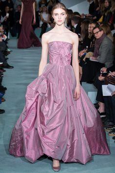 Oscar de la Renta Fall 2016 Ready-to-Wear Collection Photos - Vogue  #OscardelaRenta  #fashion  #Koshchenets