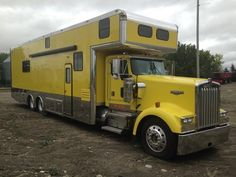 2000 Kenworth W900 Toter for sale by owner on RV Registry. http://www.rvregistry.com/used-rv/1008471.htm