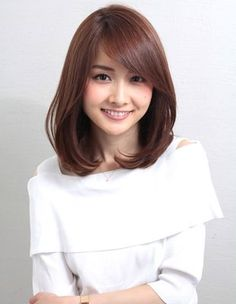 Inner volume one-curl that is popular with Ginza mama (ko - (ko - Medium Hair Cuts, Long Hair Cuts, Medium Hair Styles, Short Hair Styles, Honey Brown Hair, Japanese Hairstyle, Japanese Haircut, Corte Y Color, Lob Hairstyle