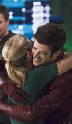 The Flash 2x08 - Barry & Felicity