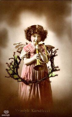 free angel postcard image   Christmas #antique #vintage #postcard #photo #children #angel