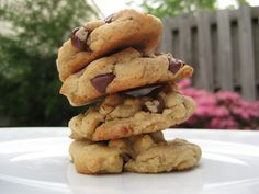a hint of honey: Chocolate Chip Peanut Butter Oatmeal Cookies
