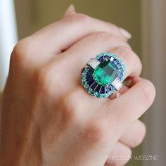 """""""@vancleefarpels left its sight wanders over the seas to imagine #SevenSeasTreasures, its latest high jewellery collection unveiled during Haute Couture in…"""""""