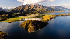 Paddock Bay in Lake Wanaka, New Zealand
