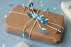 Mothers Day Crafts, Elegant Handmade Decorating Ideas for Gift Wrapping Wrapping Gift, Gift Wraping, Creative Gift Wrapping, Christmas Gift Wrapping, Wrapping Ideas, Creative Gifts, Creative Ideas, Pretty Packaging, Gift Packaging