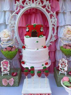 Cake at a Strawberry Shortcake Birthday Party #strawberryshortcake #partycake Десерт Из Клубничного Песочного Печенья, Клубничные Торты, Мороженое Вечеринка, Дни Рождения, Идеи На День Рождения, Идеи Для Вечеринки, События, Еда Торты