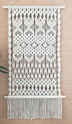 Macrame Design, Macrame Art, Macrame Projects, Macrame Knots, Micro Macrame, Macrame Wall Hanging Patterns, Large Macrame Wall Hanging, Macrame Patterns, Boho Cushions