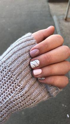 Gel Nails Unhas Curtas Decoradas: Ideias e tutoriais Unhas Curtas Decoradas: Hotel Cute Nails, Pretty Nails, My Nails, Short Nail Designs, Nail Art Designs, Nails Design, Short Gel Nails, Short Nails Art, Gel Nagel Design