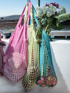 ECOBAGS® classic string bags, 100% certified organic cotton & AZO dye free! Perfect for your weekend grocery shopping, a trip to the beach, or even for your yoga bag! Beautiful new colors in this classic french net bag, filet a provision