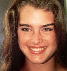 Picture of Brooke Shields Most Beautiful People, Beautiful Celebrities, Beautiful Women, Madonna Images, Brooke Shields Young, Stranger Things Girl, Robin Wright, Norma Jeane, Pretty Baby