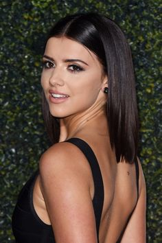 84794fd1df0b31 Lucy Mecklenburgh Looks Amazing With Her Shorter Style At The Pride of  Sport Awards