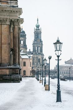 Dresden (Sachsen), Germany (source: https://www.flickr.com/photos/leejongwon/) by Lee Jongwon via Flickr