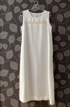 Klassinen valkoinen pellavayöpaita Sewing, Tops, Women, Fashion, Moda, Dressmaking, Couture, Fashion Styles, Stitching