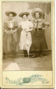 CDV Great-aunt and her friends. (Great-aunt, Szendrey Erzsébet at in the middle.) Eperjes, Hungary (now Presov, Slovakia) Taken by an itinerant photographer. Pretty Art Nouveau/Secession style verso in my comment below. Edwardian Era, Edwardian Fashion, Vintage Fashion, Victorian Women, Mode Vintage, Vintage Ladies, Retro Vintage, Vintage Photographs, Vintage Photos