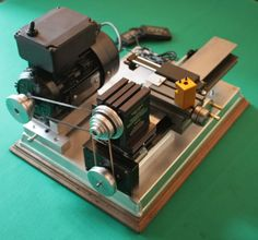 PEATOL/TAIG: the most beautiful affordable metal lathe Micro Lathe, Small Lathe, Workshop Plans, Metal Workshop, Lathe Machine, Machine Tools, Industrial Machine, Maker Shop, Lathe Projects