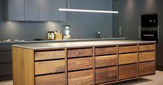 Hamran Snekkerverksted AS produserer kjøkken innredning, garderober, bad, møbler og det du måtte ønske deg av innredninger i ditt hjem.…