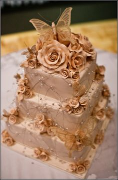 https://flic.kr/p/9FSpHu | butterfly wedding cake |  one of the prettiest cakes ive seen .