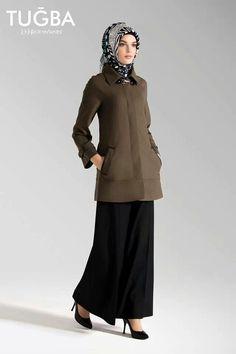 Manteau vert jupe noir