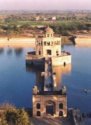 Hiran Minar in Sheikhupura, Pakistan One Day Trip, Day Trips, Places Around The World, Around The Worlds, Places To Travel, Places To Visit, History Of Pakistan, Mughal Architecture, Pakistan Travel