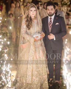 Couple of the day 💕 Walima Dress, Shadi Dresses, Pakistani Dress Design, Pakistani Wedding Dresses, Indian Dresses, Pakistani Frocks, Pakistani Couture, Couple Wedding Dress, Bridal Dress Design