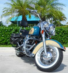 1998 Harley-Davidson Heritage Softail Classic - teal and tan - great colors!!!