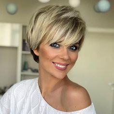 Short Blonde Wigs Straight Bob Hair Wigs with Bangs Natural Looking Synthetic Capless Wig Hair Hair Wigs Short Hair Cuts For Women, Short Hairstyles For Women, Bob Hairstyles, Straight Hairstyles, Trendy Hairstyles, Hairstyles Pictures, Model Hairstyles, Haircut For Older Women, Hairstyles For Over 50
