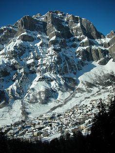 Panoramica invernale di #Leukerbad in Switzerland
