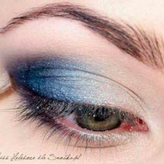 Tip  de maquillaje aplica los  tonos oscuros en la parte exterior del ojo los tonos claros  se  usan para iluminar la zona interna del ojo