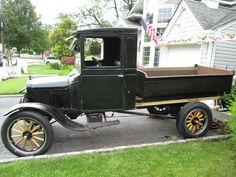 1923 FORD MODEL TT - 1 TON W / DUMP BODY