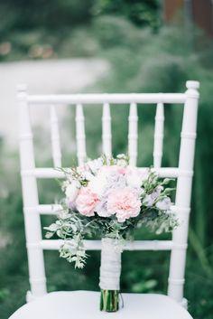 Margaret River Wedding ~ Bridesmaid Bouquet ~ Spring Wedding ~ Vintage ~ Luxury ~ Wedding Floral Design ~ Styling by www.chicrustique.... ~ Australia weddings ~ UK Weddings ~ International wedding and event styling ~ ~ Photographywww.benyew.com