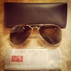 Ray Ban aviator sunglasses are perfect for any face shape. No matter the style or color, Ray Ban will always have an option just for you! -LKB