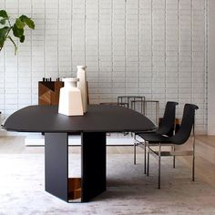 The Eyl Dining Table by #GallottiRadice on display for #Fall2015 #Gratz #KOSE #Porro #LivingDivani #Delinearrugs #DeCastelli #GrayeShowroom #LosAngeles #Modern #Designers #DesignLovers