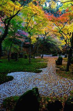 Garden of Komyozen-ji temple, Fukuoka, Japan 光明禅寺 - its-a-green-life