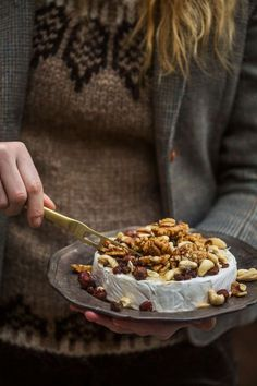 brietårta till glöggbuffén Brunch Recipes, Breakfast Recipes, Dessert Recipes, Easy Desserts, Delicious Desserts, Healthy Breakfast For Kids, Good Food, Yummy Food, Christmas Sweets