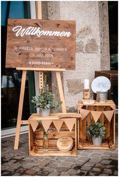 Green Centerpieces, Elegant Centerpieces, Wedding Centerpieces, Outdoor Wedding Decorations, Outdoor Christmas Decorations, Flower Decorations, Indoor Wedding, Diy Wedding, Rustic Weddings