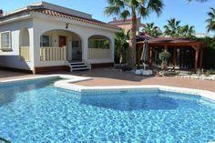 Luxe villa met groot dakterras en riant zwembad nabij Quesada